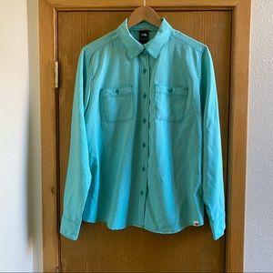 THE NORTH FACE • Aqua Blue Button Down Shirt - L